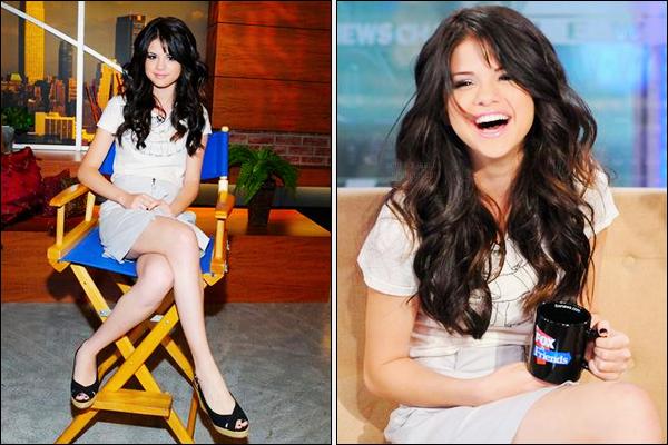 01.08.08 ─ Selena Gomez a participer à l'émission « CW11 Morning Show », se déroulant, dans New-York City.Elle s'est ensuite rendue à la radio « FOX and Friends ». Selena était magnifique et comme d'habitude adorable, et de très bonne humeur, j'adore !
