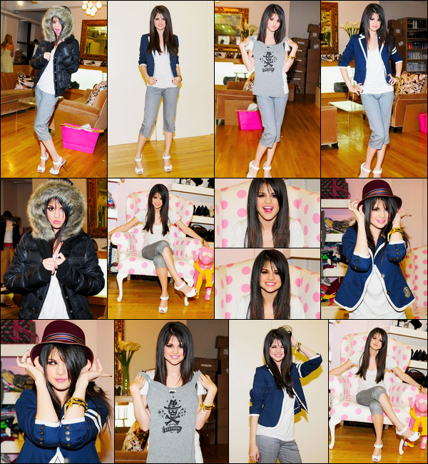 10.08.08 ─ Selena Gomez a été photographiée au magasin Alison Brod Showroom, étant, dans Los Angeles, CA.On pourrait croire à un photoshoot de la belle brunette puisqu'elle pose pas mal. Mais non, elle essayait uniquement plusieurs tenues qui sont jolie...