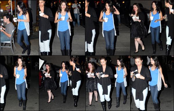 08.10.08 ─ Selena Gomez a été aperçue, alors, qu'elle allait s'acheter de la crème glacée, étant dans Los Angeles.Selena Gomez été accompagnée de son amie Jennifer Stone. Concernant sa tenue, c'est un beau top que j'accorde à la belle brunette, vous ? Avis ?
