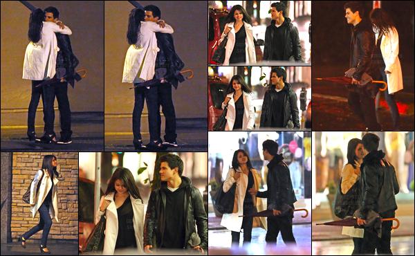 04.05.09 ─ Selena Gomez a été photographiée alors qu'elle était de sortie, avec Taylor Lautner dans Vancouver.Selena a été donc été photographiée en compagnie de Taylor, où on peut les voir très proche. Nouvel amoureux pour notre belle Sel ? Un beau top !