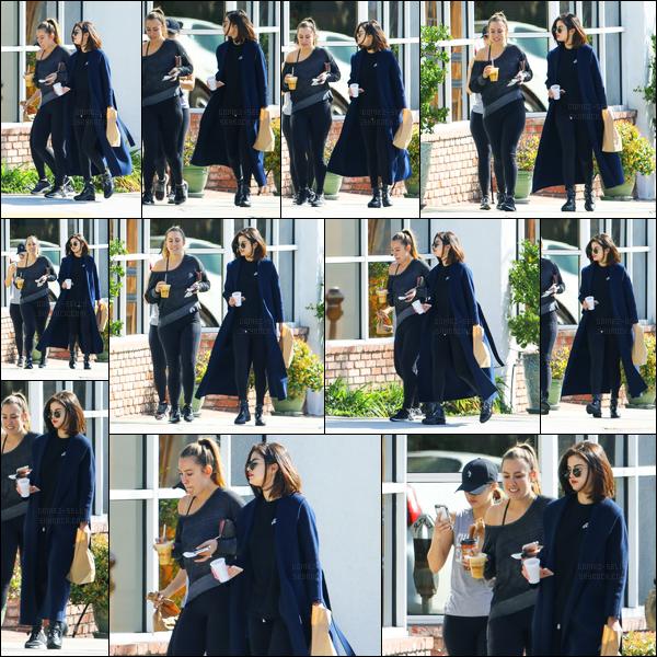 07.03.2017 ─ Selena Gomez a été photographiée, alors, qu'elle allait  déjeuner, avec ses amies, dans Los Angeles.Selena Gomez est rentrée en Californie après quelques jours passés avec sa famille au Texas. Concernant sa tenue, c'est un beau top. Vous, vos avis ?