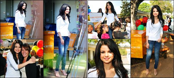 06.10.09 ─ Selena Gomez a été vue alors qu'elle était au Charnock Road Elementary School, dans Los Angeles.Journée chargée pour la belle chanteuse puisqu'elle était présente au OfficeMax, puis au The tonight show with Conan O'brien... Ce sont des tops !