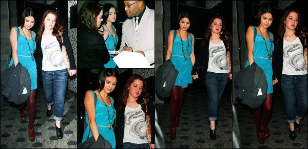 14.12.09 ─ Selena Gomez a été aperçue arrivant à l'anniversaire de Vanessa Hudgens, étant, dans Los Angeles.Notre belle brunette été accompagnée de son amie, Jennifer Stone, et co-star. Concernant sa tenue, un beau top que je lui accorde.. Et vous, avis ?