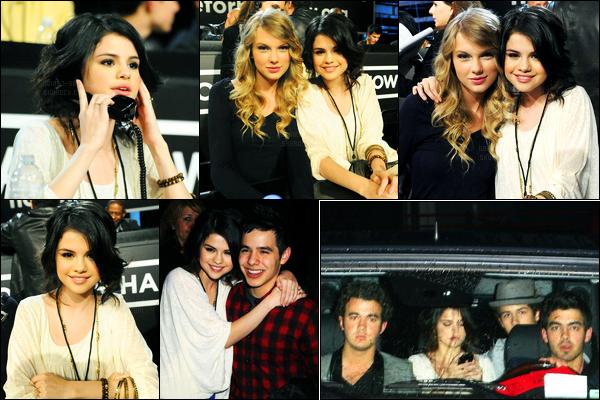 22/01/10 - Selena Gomez était présente lors du soutien « Hope For Haiti Telethon » étant dans Los Angeles.Selena Gomez était présente en compagnie de son amie, Taylor Swift et des Jonas Brothers également puis qu'elle a quitté la soirée avec eux. Top.