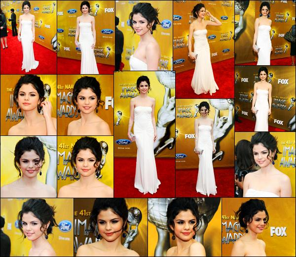 26.02.10 ─ Selena Gomez était présente lors des 41 annuel « Naacp Image Awards » étant dans Los Angeles, CA.Mais qu'elle est belle notre chanteuse ! Je suis vraiment fan de sa robe, c'est un très jolie top de ma part évidemment. Et vous ? dites moi votre avis !
