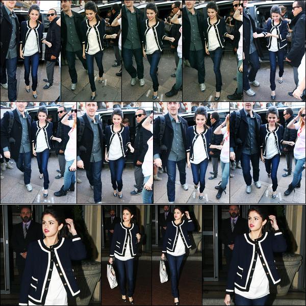 08.04.10 ─ Selena Gomez a été photographiée, alors, qu'elle arrivait à Capital Radio, étant, dans Londres en UK.Selena a ensuite été photographiée alors qu'elle quittait son hôtel. Concernant sa tenue, c'est un très beau top de ma part personnellement. Et vous?