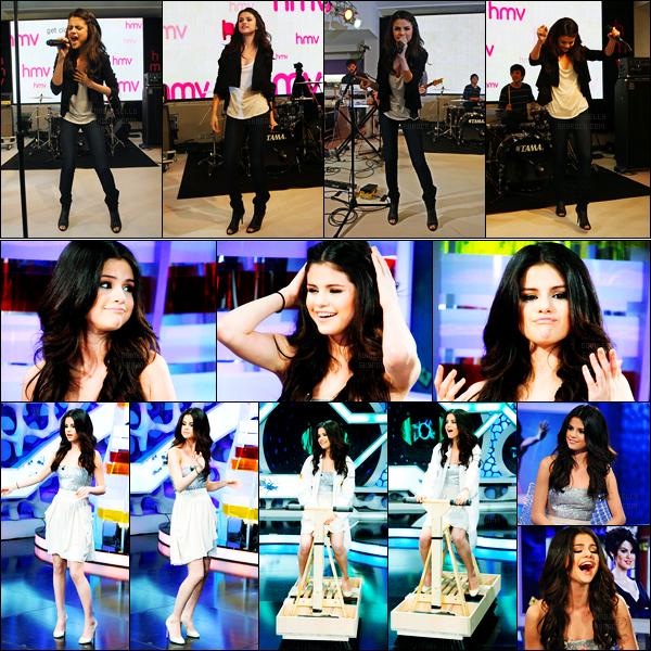 12.04.10 ─ Selena Gomez était présente au magasin « HMV Store » pour performer devant ses fans dans Oxford.Le lendemain, Selena a participé a l'émission « El Hormiguero », elle est adorable... Concernant ses tenues, c'est deux beaux top de ma part perso !
