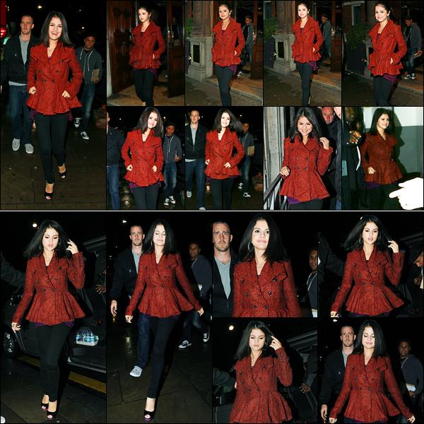 26.09.10 ─ Selena Gomez a été photographiée, alors, qu'elle arrivait à « BBC Radio 1 », se situant, à Londres, UK.La belle a ensuite été photographiée arrivant à Zaika, un restaurant toujours à Londres. Concernant sa tenue, c'est plutôt un top pour ma part. Vous ?