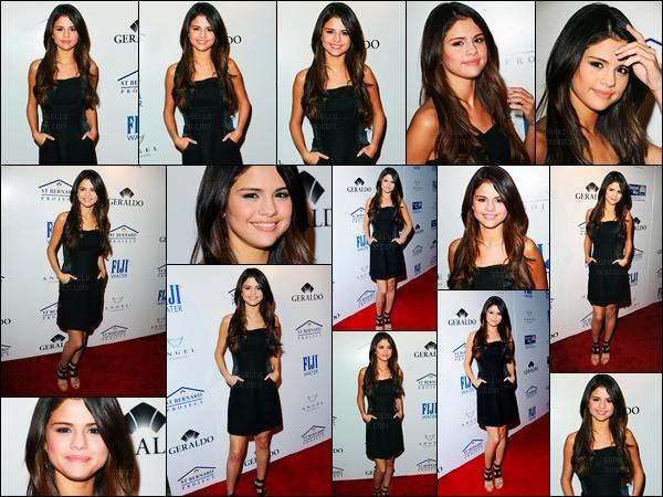 11.05.2011 ─ Selena Gomez était présente à la cérémonie des « Evening of Southern Style », étant, à Los Angeles.La belle brunette Selena été accompagnée de son amie, Ashley Cook, étant sur une trottinette. Concernant sa tenue, c'est un très beau top pour moi !