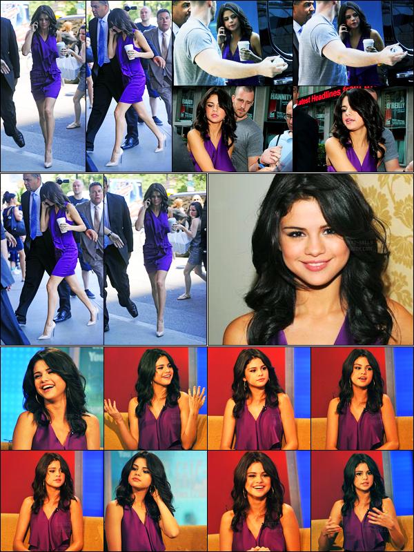 29.06.2011 ─ Selena Gomez a été photographiée, alors, qu'elle quittait les studios « Fox & Friends » à New-York.Un peu plus tard, Selena a été photographiée arrivant au Ritz-Carlton Hotel. Découvrez également les photos de son passage aux émissions.. Un top !