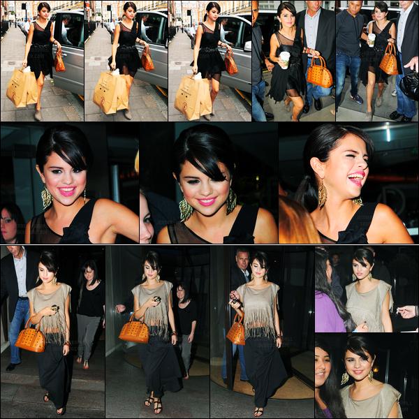 05.07.2011 ─ Selena Gomez a été photographiée, alors, qu'elle quittait son hôtel se situant à Londres, Angleterre.Un peu plus tard dans la soirée, la belle a été photographiée dans une autre tenue, quittant le restaurant Nobu à Londres. Ces tenues sont des tops !