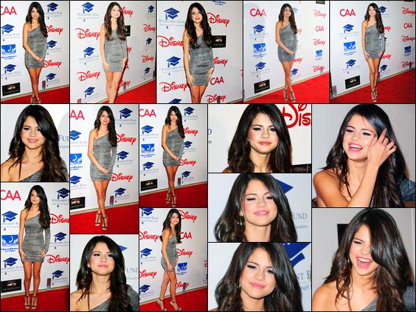 01.11.11 ─ Selena Gomez était présente, lors du « The Fulfillment Fund's 2011 Stars Gala », étant, à Los Angeles.Plus tôt la belle Selena a été photographiée arrivant puis quittant le salon de coiffure « Nine Zero One ». Concernant sa tenue, c'est un top pour moi !