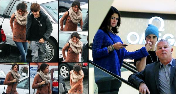 15.02.2012 ─ Selena Gomez a été photographiée, alors, qu'elle allait déjeuner chez Ihop, étant, dans Los Angeles.Le lendemain, la belle Selly a de nouveau été photographiée avec Justin au Beverly Center ! Concernant ses tenues, c'est un très beau top de ma part !