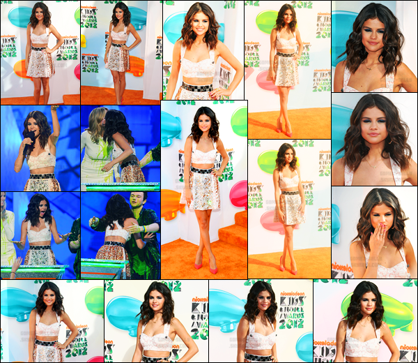 31.03.2012 ─ Selena Gomez était présente lors de la cérémonie des « Kids Choice Awards », étant à Los Angeles.La belle brunette a gagner l'awards du Actrice de télévision préférée. Concernant sa tenue, c'est assez jolie, j'aime beaucoup c'est un top de ma part !