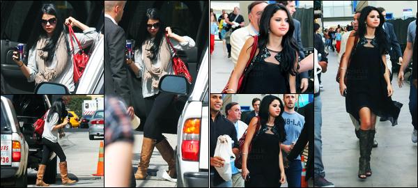 18.04.2012 ─ Selena Gomez a été photographiée, alors, qu'elle arrivait chez « Jimmy Kimmel » dans Los Angeles.La belle brunette a ensuite été photographiée alors qu'elle quittait le théâtre El Capitan à Los Angeles. Concernant ses tenues, c'est des tops pour moi.