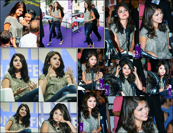 21.06.2012 ─ Selena Gomez était présente lors du festival de créativité « Lions 59th International » dans Cannes.La belle s'est ensuite rendue chez NRJ, puis elle a été photographiée entrain de posée avec ces fans... Concernant sa tenue, c'est un top de ma part !