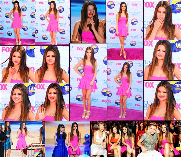 22.07.2012 ─ Selena Gomez était présente lors de la cérémonie des « Teen Choice Awards » étant à Los Angeles.C'est le jour de ses 20 ans que la belle chanteuse Selena Gomez s'est rendue à la cérémonie. Concernant sa tenue, c'est un très beau top de ma part.