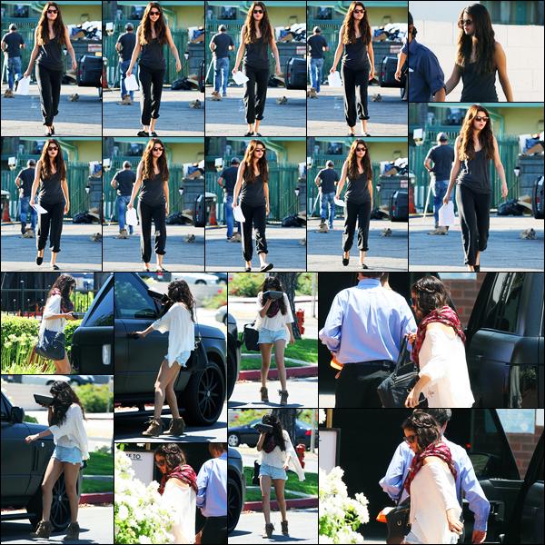 06.08.2012 ─ Selena Gomez a été photographiée alors qu'elle était sur le set « Behaving Badly » à Sherman Oaks.La veille, la belle Selena Gomez a été photographiée alors qu'elle se rendait au restaurant « BJ's » à Woodland Hills. Concernant sa tenue, c'est des tops !