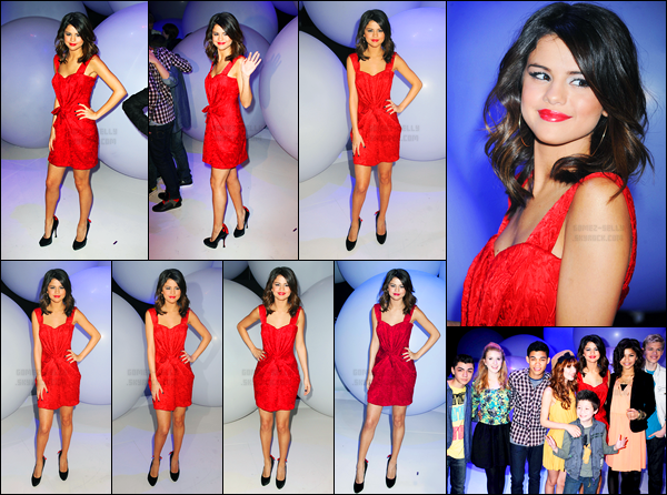 16.03.2011 ─ Selena Gomez était présente lors de l'événement « Disney Kids & Family Upfront » dans New-York.D'autres enfants star de Disney étant présent notamment Bella Thorne et Zendaya Coleman. Concernant sa tenue, c'est un beau top, vous, vos avis ?