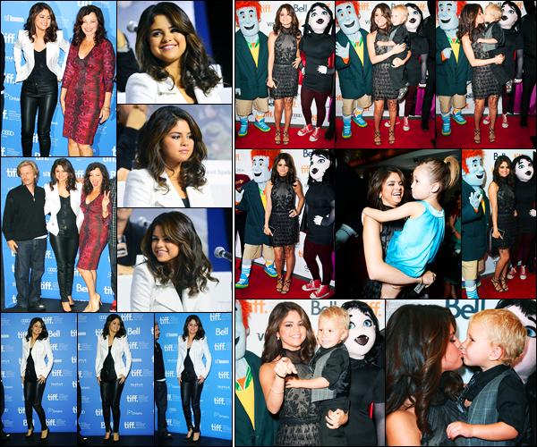 08.09.2012 ─ Selena Gomez était présente lors du «Toronto International Film Festival» étant dans Toronto, CA.Cette fois-ci, c'est pour Hotel Transylvanie, elle s'est ensuite rendue à l'avant-première en compagnie du petit frère et la petite soeur de Justin. Des tops !