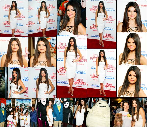 22.09.2012 ─ Selena Gomez était présente lors de l'avant-première de « Hôtel Transylvanie », dans Los Angeles.La belle SG a posée avec la célèbre Fran Drescher, ainsi que les mascottes du dessin animée... Concernant sa tenue, c'est un très beau top de ma part !