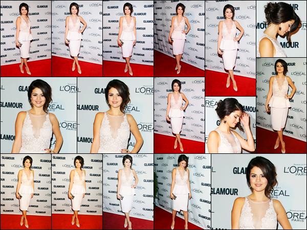 12.11.2012 ─ Selena Gomez était présente à la soirée Glamour Women of the Year Awards, étant dans New-York.La belle Selena a gagner un prix de la femme de l'année grâce au magazine Glamour dont elle fait la couverture. Concernant sa tenue, c'est un beau top.