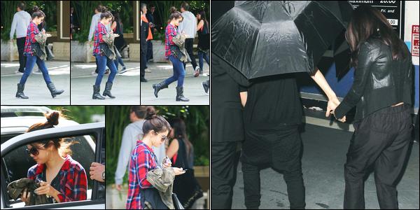 18.11.2012 ─ Selena Gomez a été photographiée alors qu'elle quittait son hôtel «Four Seasons» dans Los Angeles.Dans la soirée, la belle a été photographiée arrivant au club « Bootsy Bellows » en compagnie de son petit-ami, Justin Bieber. Ses tenues sont des tops !