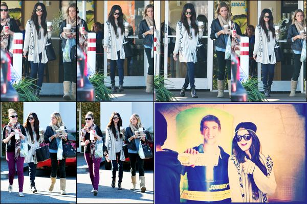 16.01.2013 ─ Selena Gomez a été photographiée, alors, qu'elle quittait un « Starbucks » étant dans Burbank, CA.La belle Selena s'est rendue à un subway puisqu'elle a postée une photo par la suite, en compagnie de ses choristes Lindsey Harper et Katelyn Clampett.