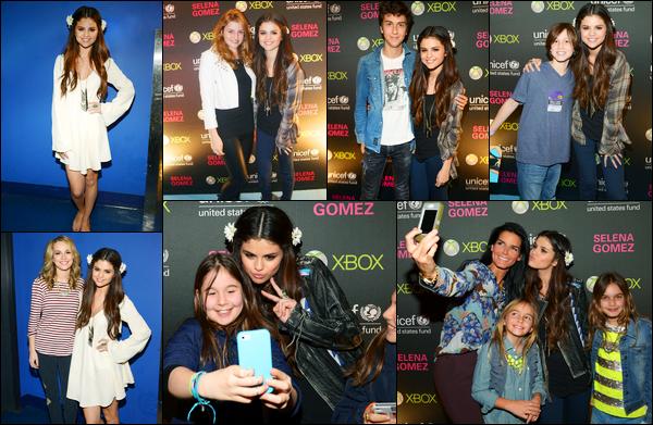 19.01.2013 ─ Selena Gomez était présente au concert de charité pour lUNICEF, étant dans la ville de New-York C.Cliquez : Hit the Lights - Rock God - Round & Round - BBB - AYWR - LYLALS - Naturally - Who Says - IKYWT - Dream - BOMT - Ho Hey - Cry me a river.