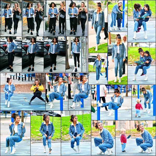 02.11.2017 ─ Selena Gomez a été photographiée, alors, qu'elle quittait un café, avec une amie, dans Los Angeles.Un peu plus tard, la belle Sel a été photographiée dans un parc où elle a était adorable avec des enfants... Concernant sa tenue, c'est un très beau top !