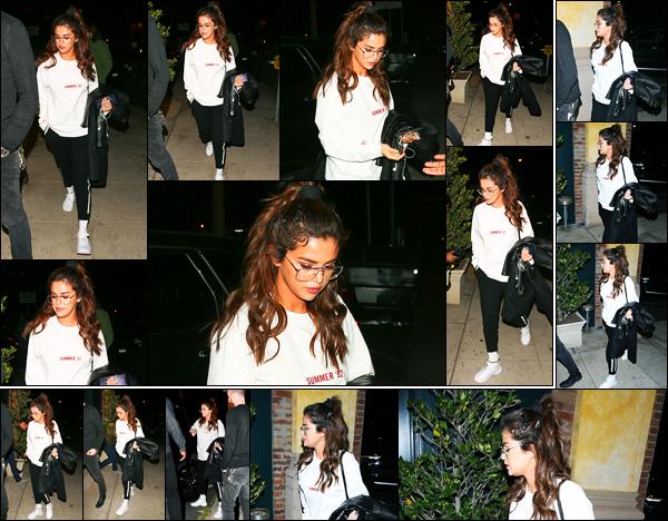 -22/02/2018- ─ Selena Gomez a été photographiée alors qu'elle arrivait à un studio d'enregistrement, étant à Westwood !La belle chanteuse est donc de retour en studio pour notre plus grand bonheur ! En espérant avoir de nouvelles musiques dans peu de temps... Un top !