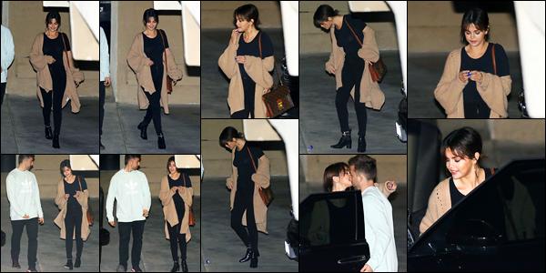 -07/03/2018- ─ Selena Gomez a été photographiée alors qu'elle quittait un service religieux de l'église dans Los Angeles !Après quelques jours sans nouvelles, la belle chanteuse S. est de nouveau apparue quittant l'église ! Concernant sa tenue, c'est un beau top de ma part !