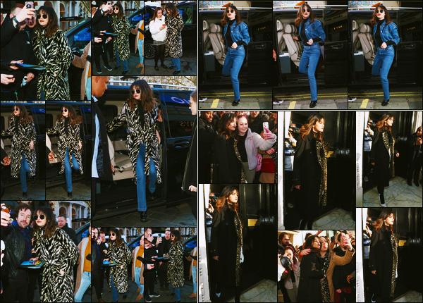 ''•-11/12/19-' : Selena Gomez a été aperçue alors qu'elle arrivait à la radio « Capital Breakfast Radio » à Londres. Par la suite, la belle a été photographiée arrivant à la radio « KISS FM UK » puis la quittant ! Dans trois tenues différente, c'est des tops !
