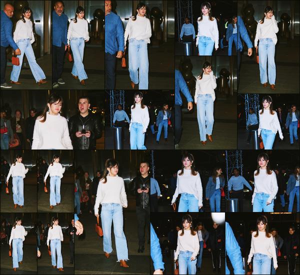 ''•-13/01/20-' : Selena Gomez a été photographiée quittant le restaurant : « Nobu », étant, dans New-York City ! Après avoir participer aux deux émissions pour la promotion de son nouvel album, la belle Selena G. a donc était dîner. C'est un beau top.