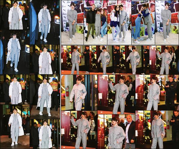 ''•-14/01/20-' : Selena Gomez a été photographiée arrivant à l'événement pour « PUMA » étant dans New-York. C'est pour la sortie de son nouvel album que la marque a organisée un meet and great avec les fans de la chanteuse. Gros top de ma part