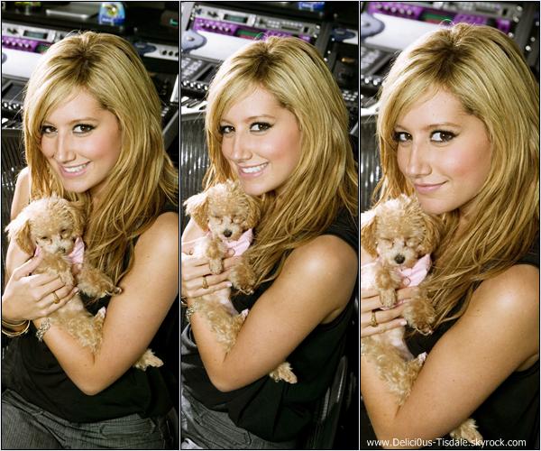 -   Photoshoot 2007: Découvrez un photoshoot d'Ashley réalisé par Scott Miller.   -