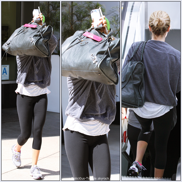 Ashley quittant la salle de gym Equinox dans West Hollywood ce Jeudi 06 Octobre.