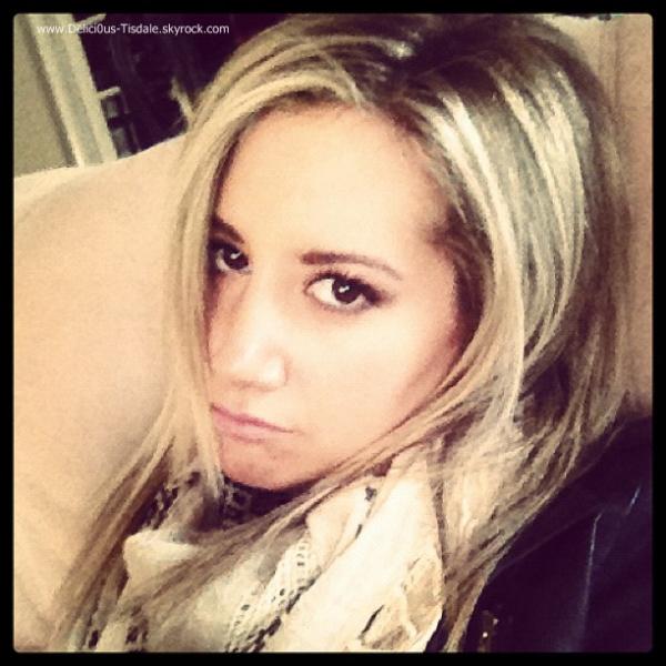 Moi malade [Photo postée par Ashley sur son compte Instagram ce Jeudi 22 Décembre].