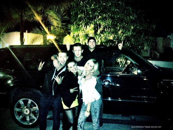 Ashley arrivant au salon de coiffure Andy Lecompte à Beverly Hills ce Jeudi 19 Janvier.