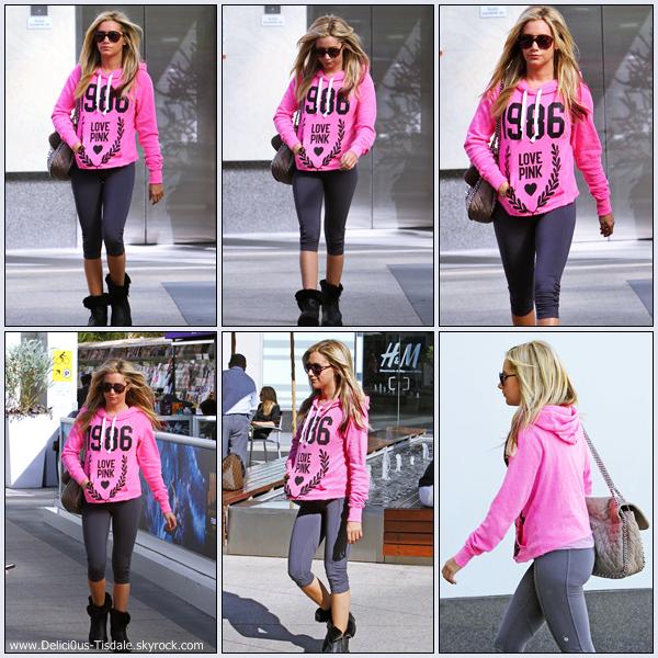 Ashley se rendant à la salle de gym Equinox dans West Hollywood ce Samedi 04 Février.