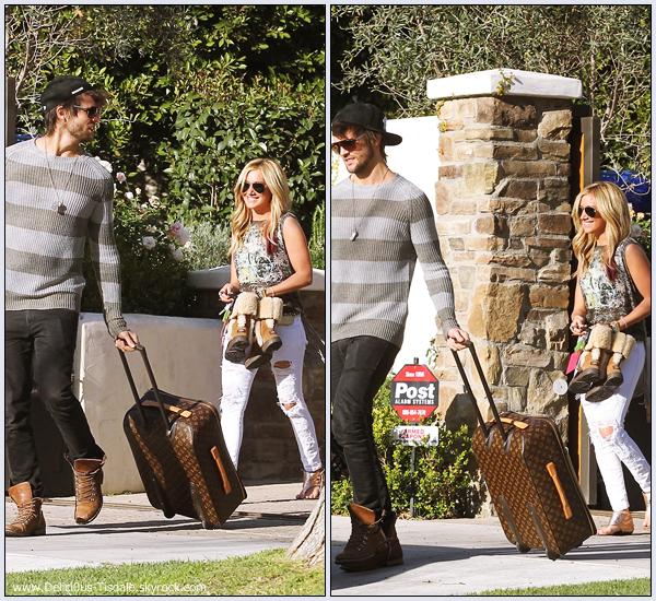 Ashley quittant sa maison avec son petit-ami Martin à Toluca Lake ce Mardi 14 Février.
