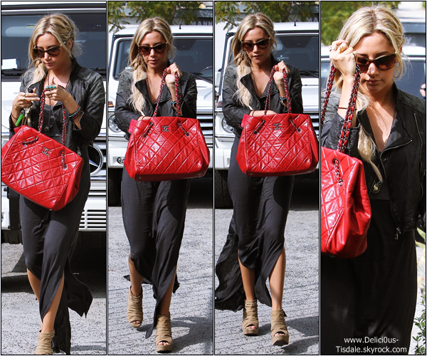 Ashley arrivant/quittant le salon de coiffure Andy Lecompte à Beverly Hills ce Samedi 25 Février.