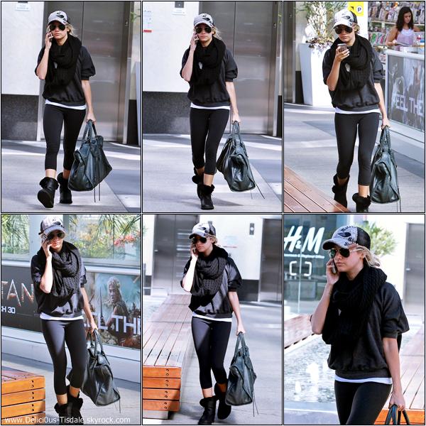 Ashley arrivant à la salle de gym Equinox dans West Hollywood ce Mercredi 07 Mars.