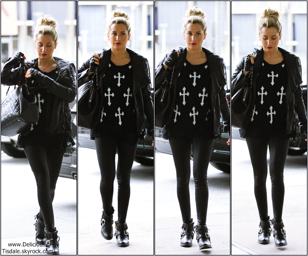 Ashley se rendant dans un bureau pour un rendez-vous d'affaires à Century City dans Los Angeles ce Vendredi 16 Mars.