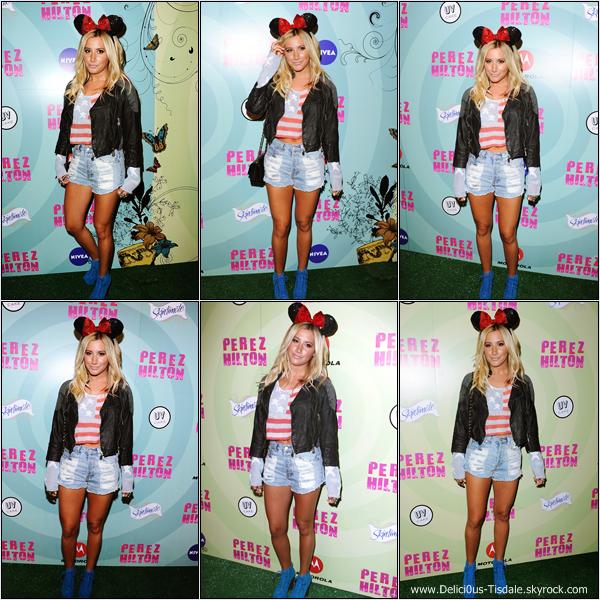 Ashley assistant au 34ème anniversaire de Perez Hilton accompagnée de Samantha Droke à Hollywood ce Samedi 24 Mars.