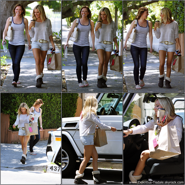 Ashley se promenant avec sa nouvelle co-star Patti Murin dans les rues de Studio City ce Mardi 17 Avril.