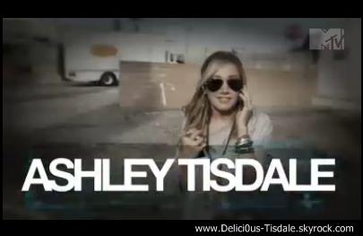 Ashley se promenant dans les rues de Los Angeles ce Jeudi 03 Mai.
