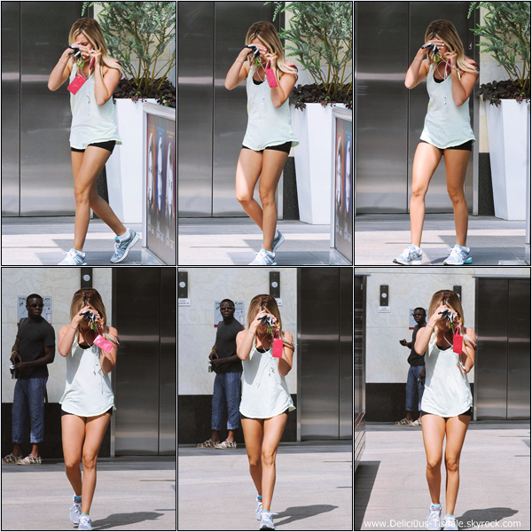 Ashley se rendant à la salle de gym Equinox dans West Hollywood ce Samedi 12 Mai.