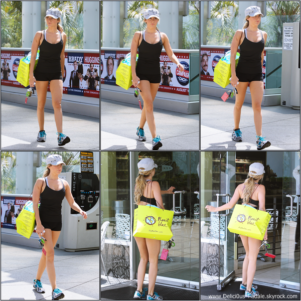 -   01/08/2012 : Ashley arrivant à la salle de gym Equinox dans West Hollywood.   -