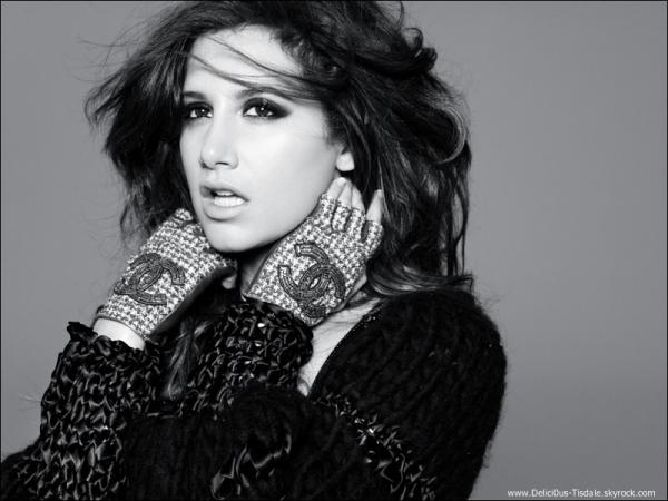 -   Photoshoot 2011: Découvrez deux nouvelles photos d'un photoshoot d'Ashley réalisé par Elias Tahan.   -